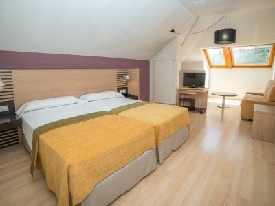 hotel-oroel-habitacion-atico-new-01